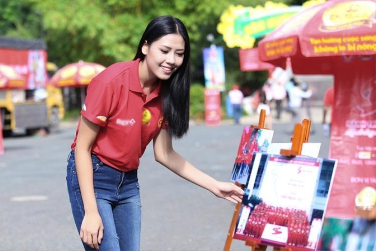 Cô chứng minh cho BGK được tính khả thi giàu lòng nhân ái của dự án khi thành tích thu được sau 1 tháng dự án là vận động và thu nhận được 16.000 đợn vị máu.