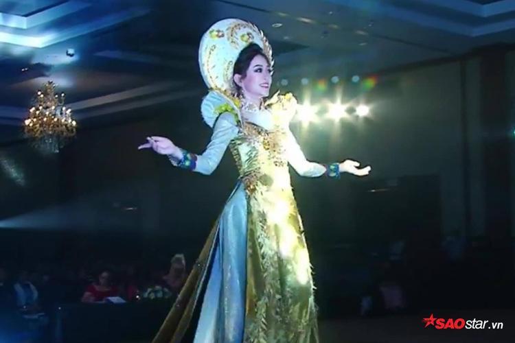 Vì lý do này mà Phương Nga xinh đẹp, cực bắt sáng khi diện quốc phục trên sân khấu Miss Grand International 2018 - Ảnh 1.