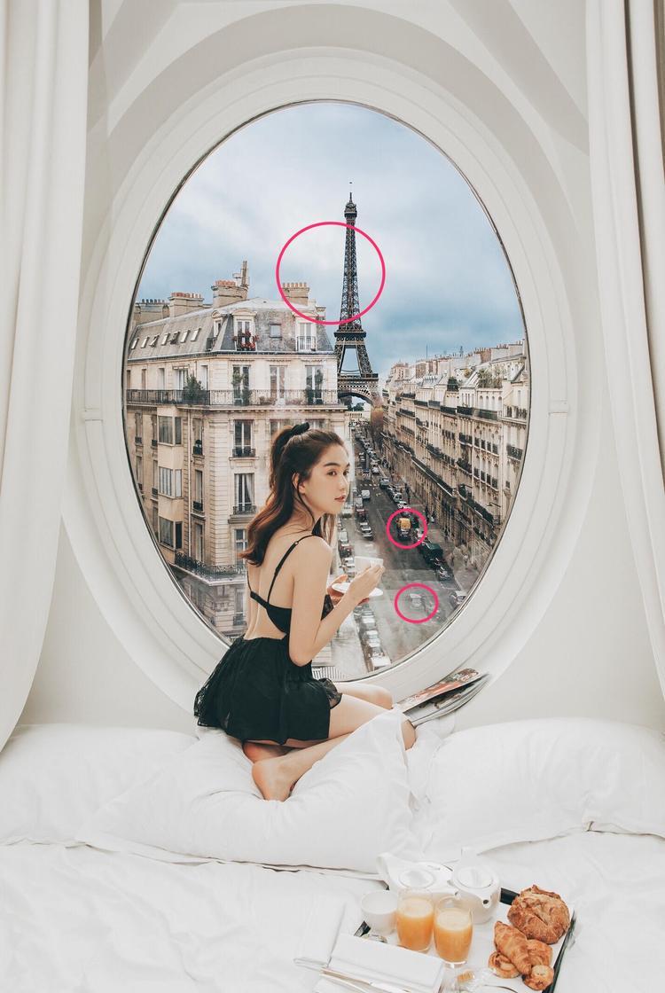 Hãy để ý đến chiếc xe màu cam, một chiếc xe khác màu đen đi ngược chiều và hình ảnh bầu trời bên cạnh tháp Eiffel.