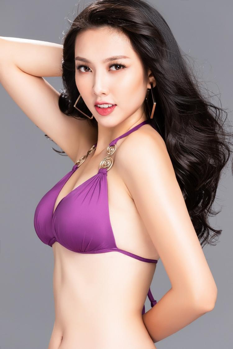 Thuỳ Tiên tung bộ ảnh bikini bỏng mắt dập tan tin đồn tăng cân trước một tuần sang Nhật thi Miss International 2018