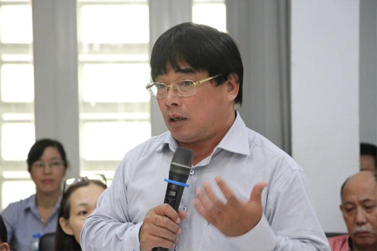 Ông Đỗ Văn Dũng- hiệu trưởng ĐH Sư phạm Kỹ thuật TP HCM thông báo về quyết định buộc thôi học sinh viên
