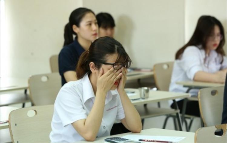 Áp lực học tập của các bạn sinh viên TP HCM