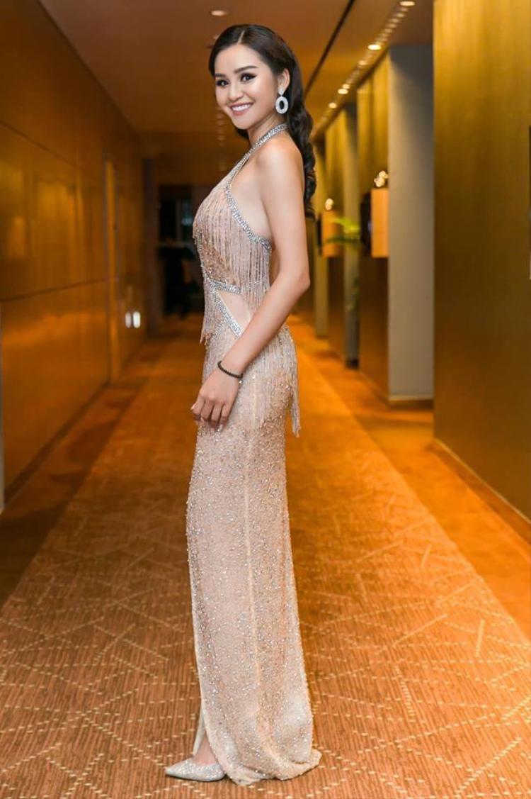 Tại sự kiện còn có một số người đẹp khác. Top 10 Hoa hậu Hoàn vũ Việt Nam 2017 Lê Thu Trang.