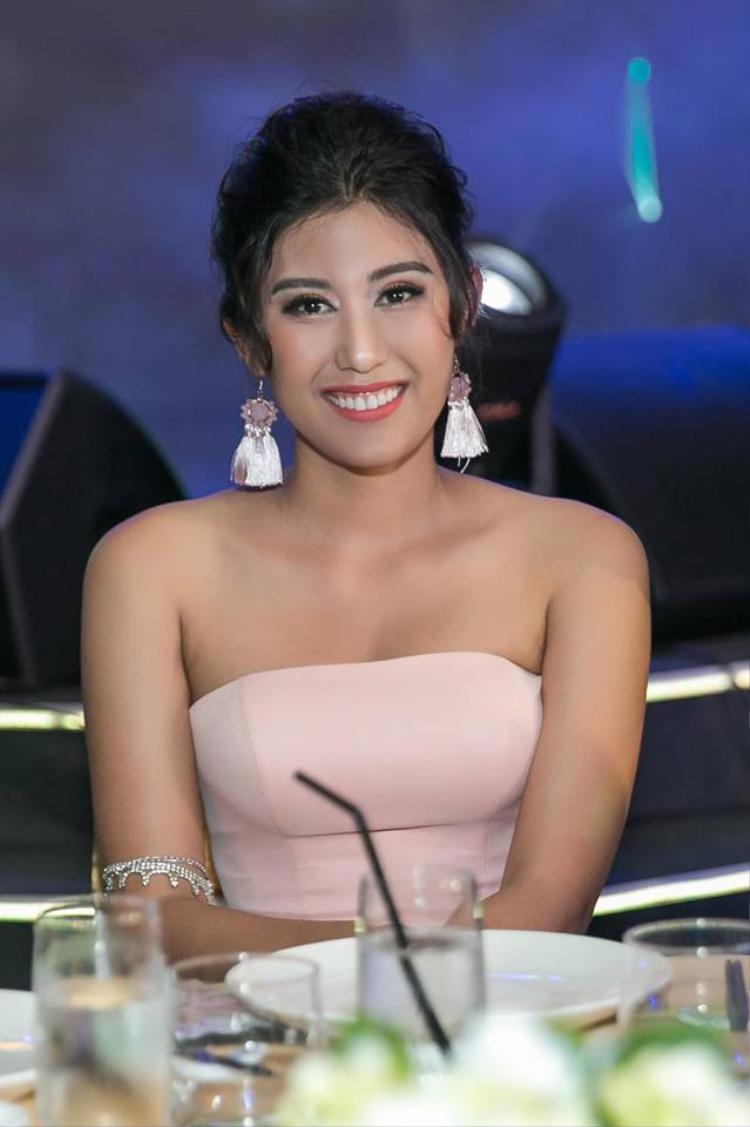 Top 5 Hoa hậu Hoàn vũ Việt Nam 2015 - Ngô Trúc Linh.