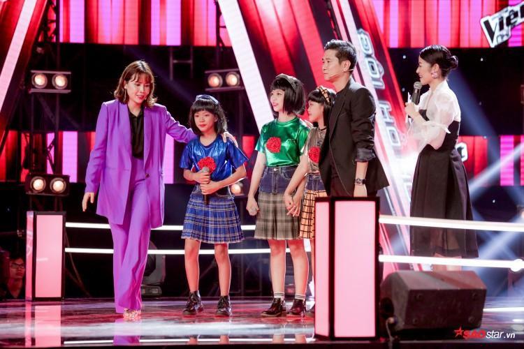"""Hồ Hoài Anh - Lưu Hương Giang đã """"khoác"""" một chiếc áo mới cho ca khúc này để dành tặng cho các học trò của mình."""