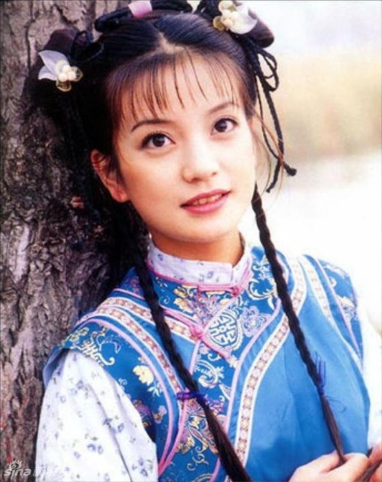 Cư dân mạng rần rần vì bộ ảnh cách đây 2 thập kỷ của Triệu Vy: Thì ra 20 tuổi đã là đại mỹ nhân rồi!