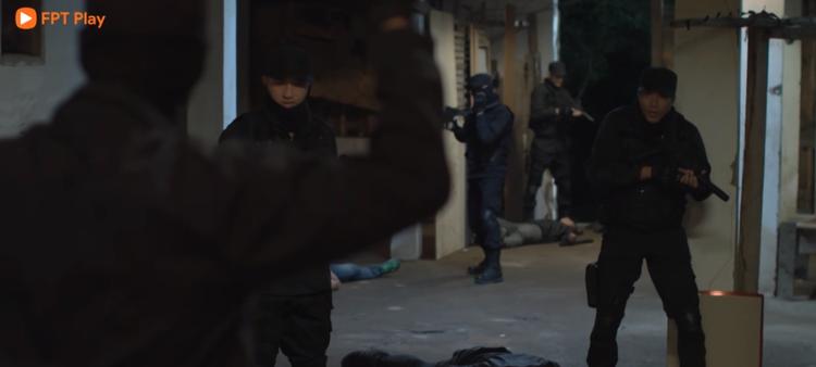 Hậu duệ mặt trời Việt Nam tập 33, 34: Cao Thái Hà qua cơn bạo bệnh, Khả Ngân bị bắt làm con tin