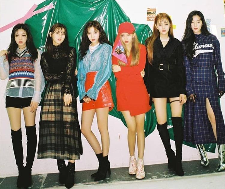 Các cô nàng đã đem về MV 1 triệu like thứ hai cho CUBE và cũng là nghệ sĩ nữ đầu tiên của công ty làm được điều này.