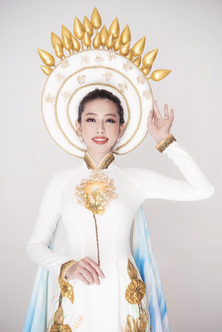 Thùy Tiên công bố Quốc phục tại Hoa hậu Quốc tế 2018: Vẫn là áo dài nền nã!