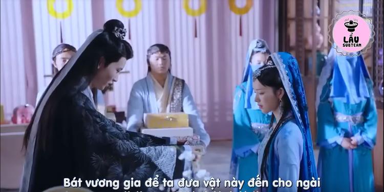 Lưu Thương thay mặt Bát Vương Gia mang lễ vật đến cho công chúa Lam Tinh Linhbày tỏ nỗi lòng đã có người thương không ngờ lại khiến nàng ái mộ