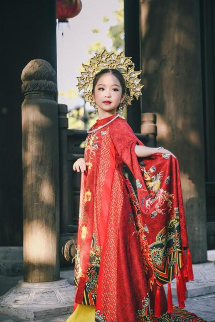 Nhan sắc xinh hút mắt của Tân hoa hậu 6 tuổi. 6 tuổi đã đăng quang ngôi Hoa hậu tầm cỡ thế giới khiến nhiều người ngỡ ngàng