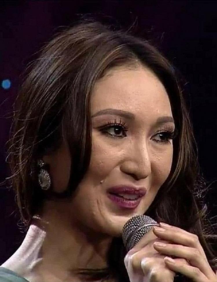 Cực kì may mắn khi nhan sắc của Phương Khánh xinh đẹp gấp nhiều lần Hoa hậu Trái Đất 2017. Ấy vậy mà, sau đăng quangKaren Ibasco vẫn binh tình sống với danh hiệu chói lóa của mình.