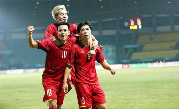 Trận đấu đầu tiên của đội tuyển Việt Nam tại AFF Cup 2018 sẽ diễn ra vào 19h30 ngày mai (08/11) trước đối thủ tuyển Lào.
