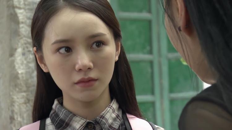 Mỗi lần gặp Quỳnh, Đào luôn tỏ ra khinh khỉnh và xa lánh cô