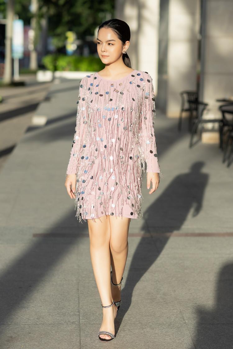 Phạm Quỳnh Anh tái xuất rực rỡ sau li hôn, khẳng định chân lí phụ nữ đẹp nhất khi không thuộc về ai
