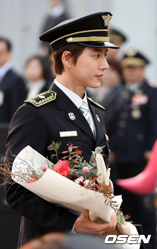 Park Hae Jin was appointed by the President as an honorary firefighter