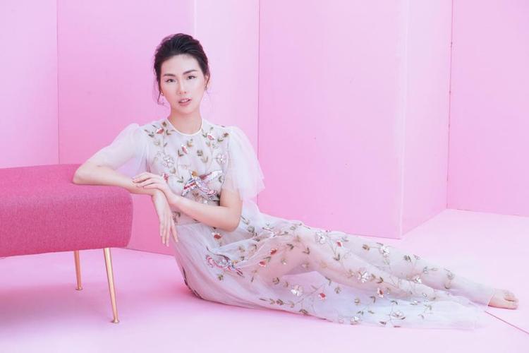Giải vàng Siêu mẫu Việt Nam 2018 Bùi Quỳnh Hoa: Sẽ dồn toàn lực cho vai nữ chính của sitcom Hoán đổi thanh xuân!