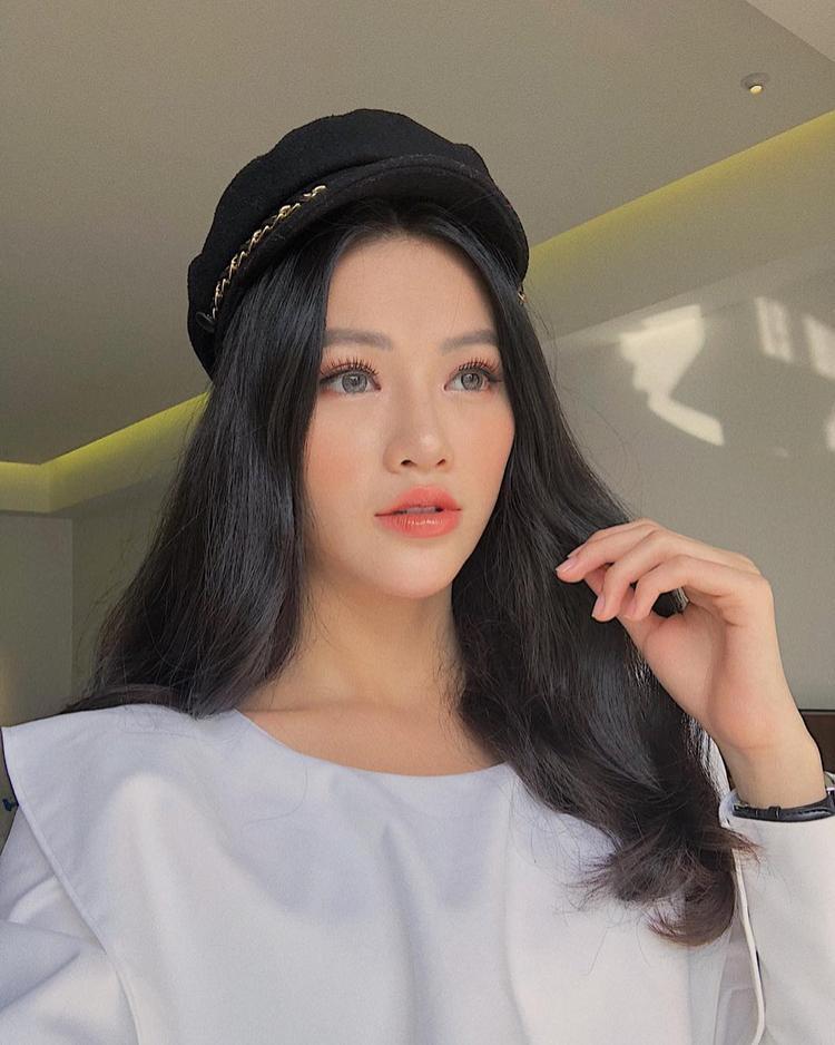 Hoa hậu Phương Khánh thừa nhận đã chỉnh một số nét trên khuôn mặt
