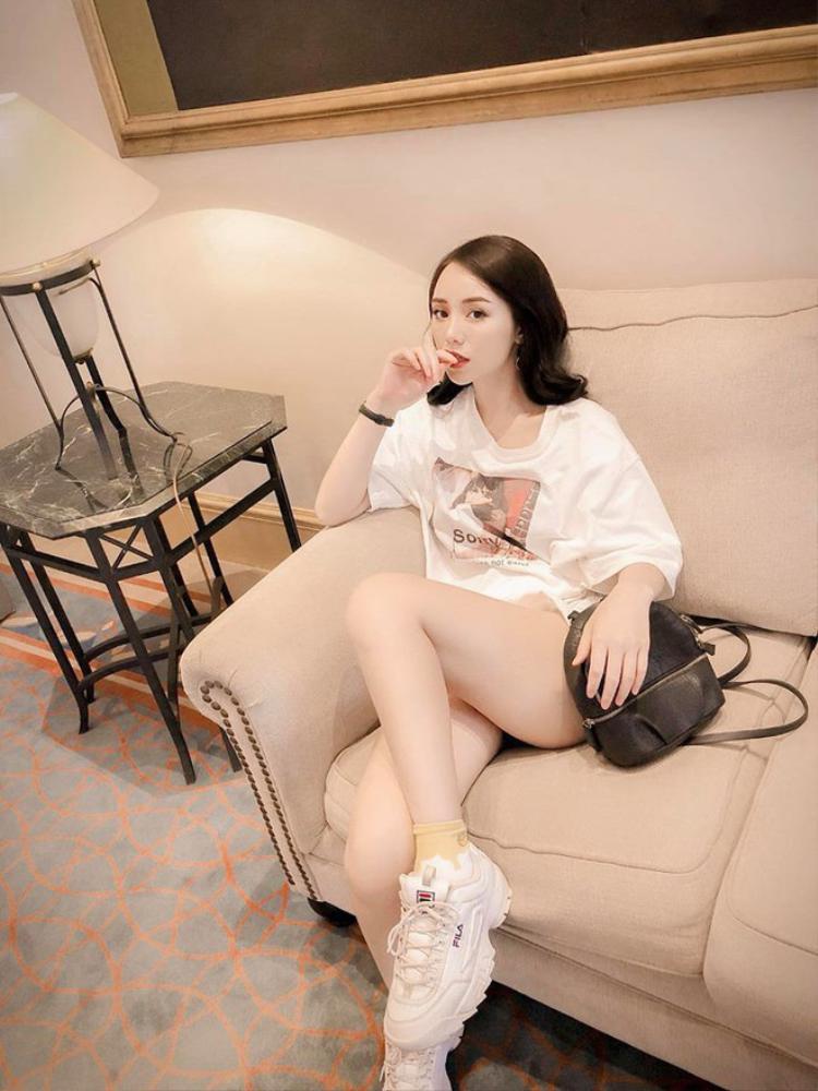 Từ cô gái quê mùa, Đào của Quỳnh Búp Bê lột xác thành hot girl nóng bỏng nhất nhì Vbiz