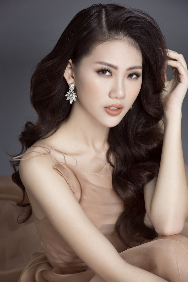 Siêu mẫu Quỳnh Hoa trở thành gương mặt đại sứ cho cuộc thi Hoa hậu Thế giới Người Việt 2019