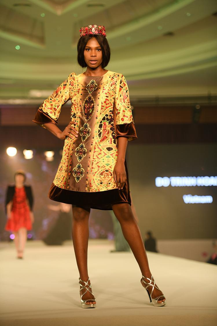 NTK họ Đỗ đại diện Việt Nam tham dự The Council of ASEAN Fashion Designers (CAFD).