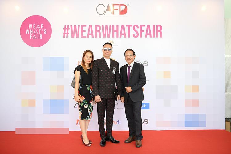 Tham tán Thương mại Việt Nam tại Malaysia - ông Phạm Quốc Anh, NTK Đỗ Trịnh Hoài Nam và bà Lê Thu Hà - Phó chủ tịch Hiệp hội doanh nhân Việt Nam tại Malaysia