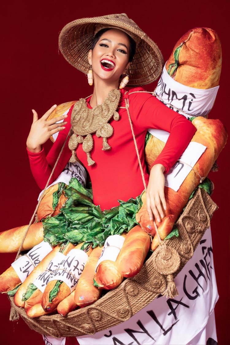 Chủ nhân Quốc Phục Bánh Mì lên tiếng: Điền đến với cuộc thi là vì Miss Universe Vietnam và HHen Niê, chứ không phải để làm hài lòng khán giả