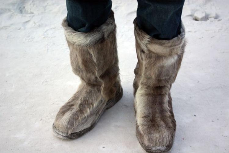 Đôi giày giữ ấm chân của bạn Vũ Bá Sang