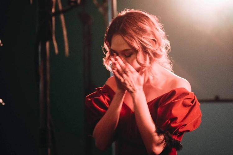 """Những cảnh khóc trong MV của Mỹ Tâm được đánh giá là xuất thần và khiến nhiều người """"lụi tim""""."""