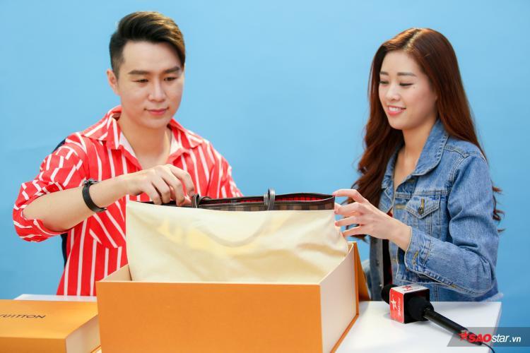 """Chuyên gia Đạt Chanel đã """"khai sáng"""" cho nàng mẫu cách phân biệt hàng thật qua các chi tiết nhỏ nhất của chiếc túi."""