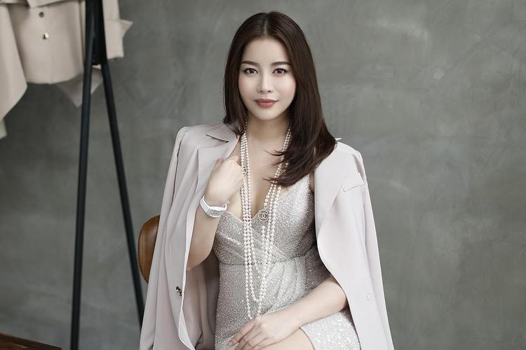 Hoa hậu Hải Dương quyết định chia sẻ những khó khăn mà Minh Tú đang gặp phải tại Miss Supranational 2018.