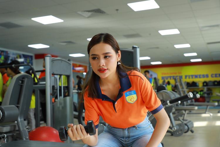 Cao Thị Tuyết (SBD 702 - Khoa Quản trị kinh doanh)