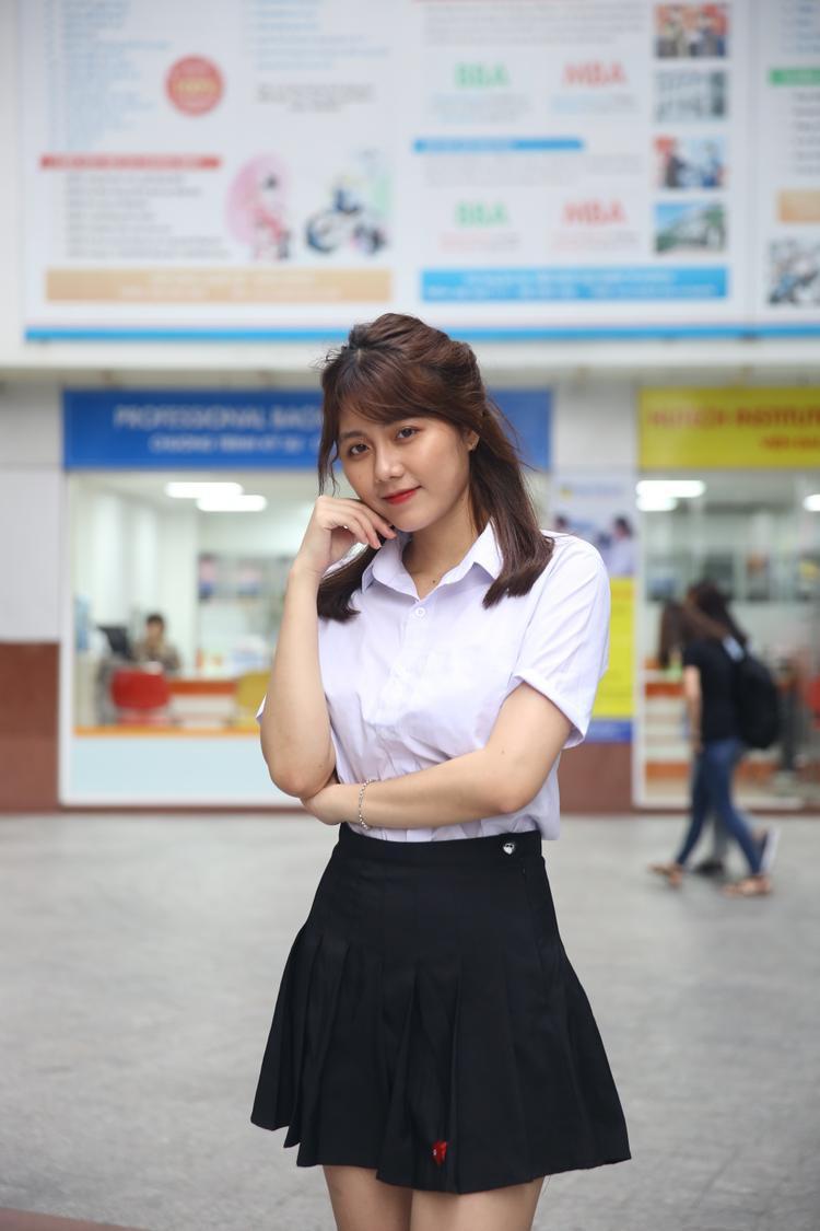 Lê Thị Hoàng Châu (SBD 863 - Khoa Tiếng Anh)