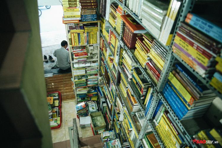 Tiệm sách nhỏ nằm ở số 21 Nguyễn Hữu Cảnh (phường 19, quận bình Thạnh).