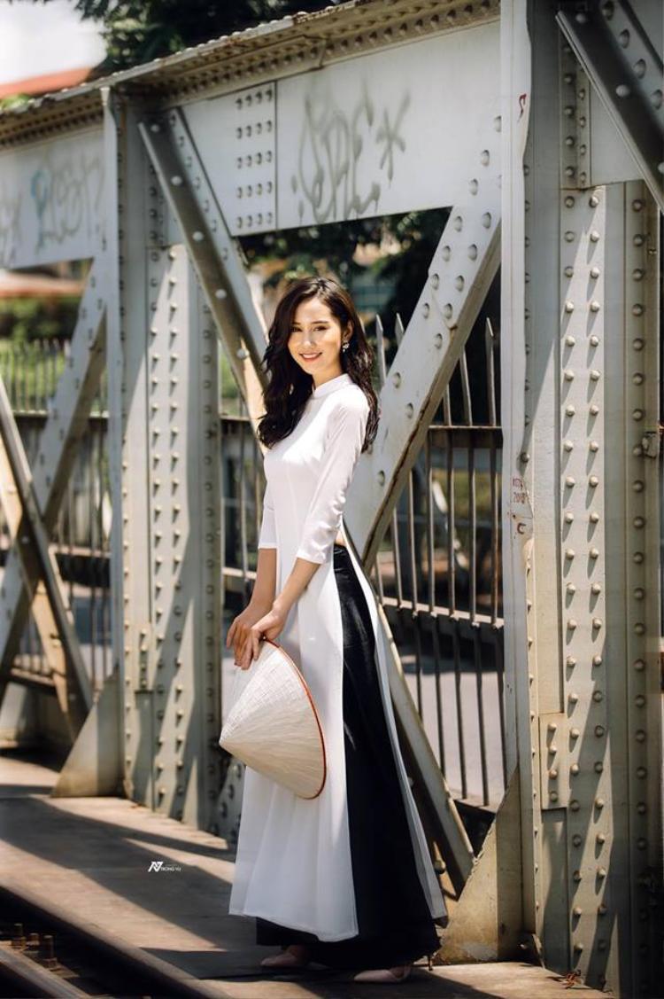 Ngắm nhan sắc hoa khôi ĐH Kinh tế Kĩ thuật Công nghiệp lọt chung kết Hoa khôi sinh viên Toàn quốc 2018