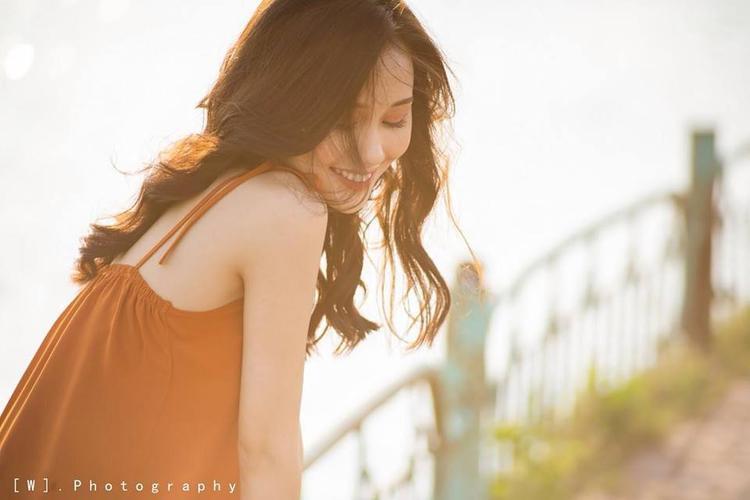Với nhan sắc và chiều cao nổi bật, Thùy Trang còn là một mẫu ảnh tự do, nhận được sự tin tưởng từ rất nhiều các thương hiệu thời trang của giới trẻ Hà Thành.