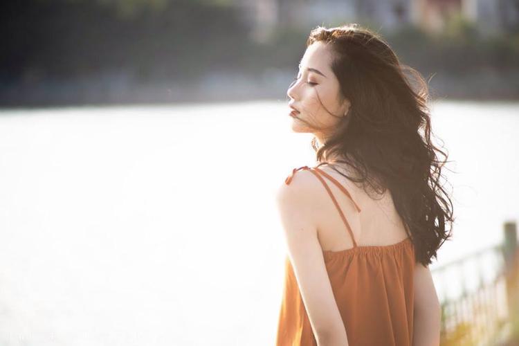 Chia sẻ về dự định trong tương lai, Trang cho biết sẽ theo đuổi hình tượng một người con gái hiện đại, tự mình giành lấy những cơ hội trong sự nghiệp.