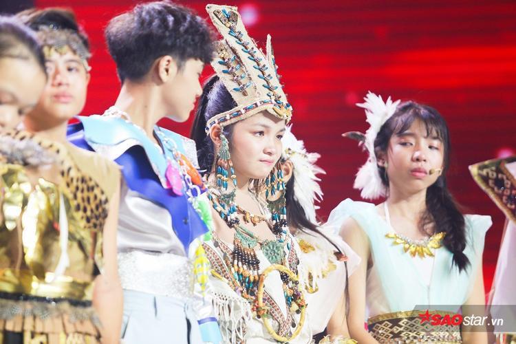 Team Giang  Hồ chiến thắng, Anh Khôi  Bảo Anh  Hải Yến  Thiên Nga bật khóc chia tay Giọng hát Việt nhí