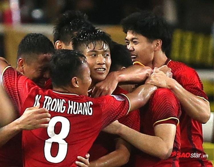 Đội tuyển Việt Nam có chiến thắng vàng trước đội tuyển Philippines.