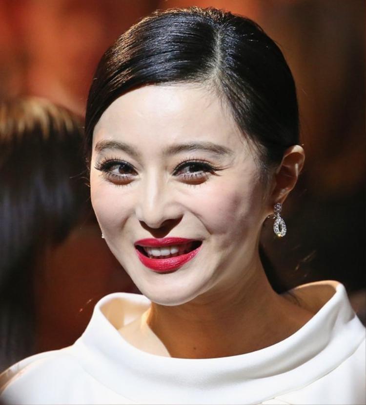 U40 Hàn  Trung  Việt đọ sắc: Song Hye Kyo, Lâm Tâm Như, Kim Tae Hee vẫn thua xa sao Việt này