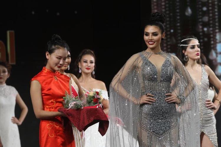 Thí sinh Siêu mẫu Việt Nam 2018 Tuyết Trần giành giải tại cuộc thi hoa hậu quốc tế Miss Globe 2018