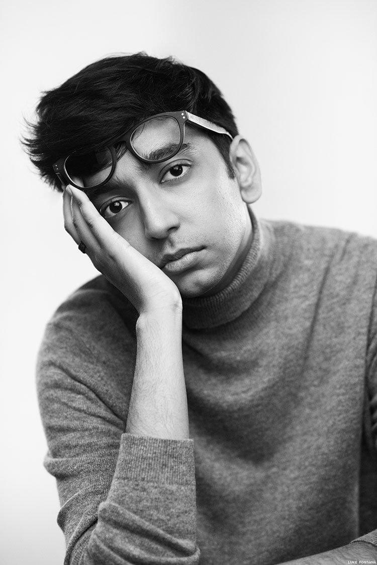 Giống như nhân vật Pat Patel mình đang thủ vai, nam diễn viên cũng là một người đồng tính công khai