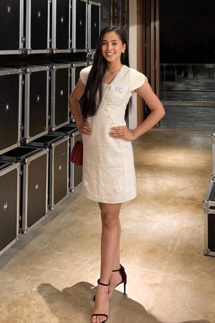 Tin được không: Tiểu Vy bước thẳng vào Top 30 Miss World nhờ đào giếng cho bản Nịu