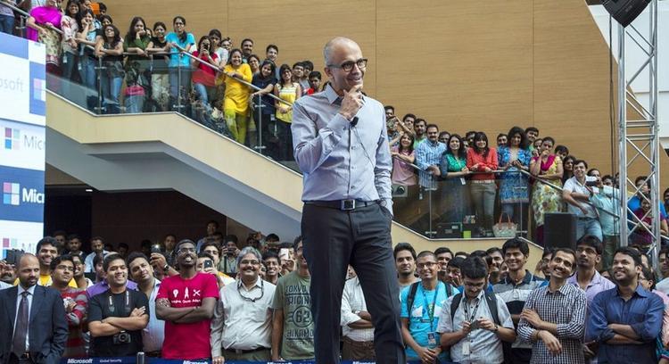 Người đàn ông đứng đằng sau màn lên đỉnh ấn tượng của Microsoft