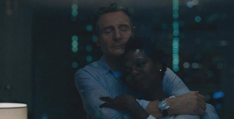 Phân cảnh lãng mạn giữa Liam Neeson và Viola Davis