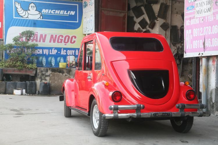 Chiếc xe ô tô kiểu dáng khá sang trọng do Ngô Việt Cường chế tạo.