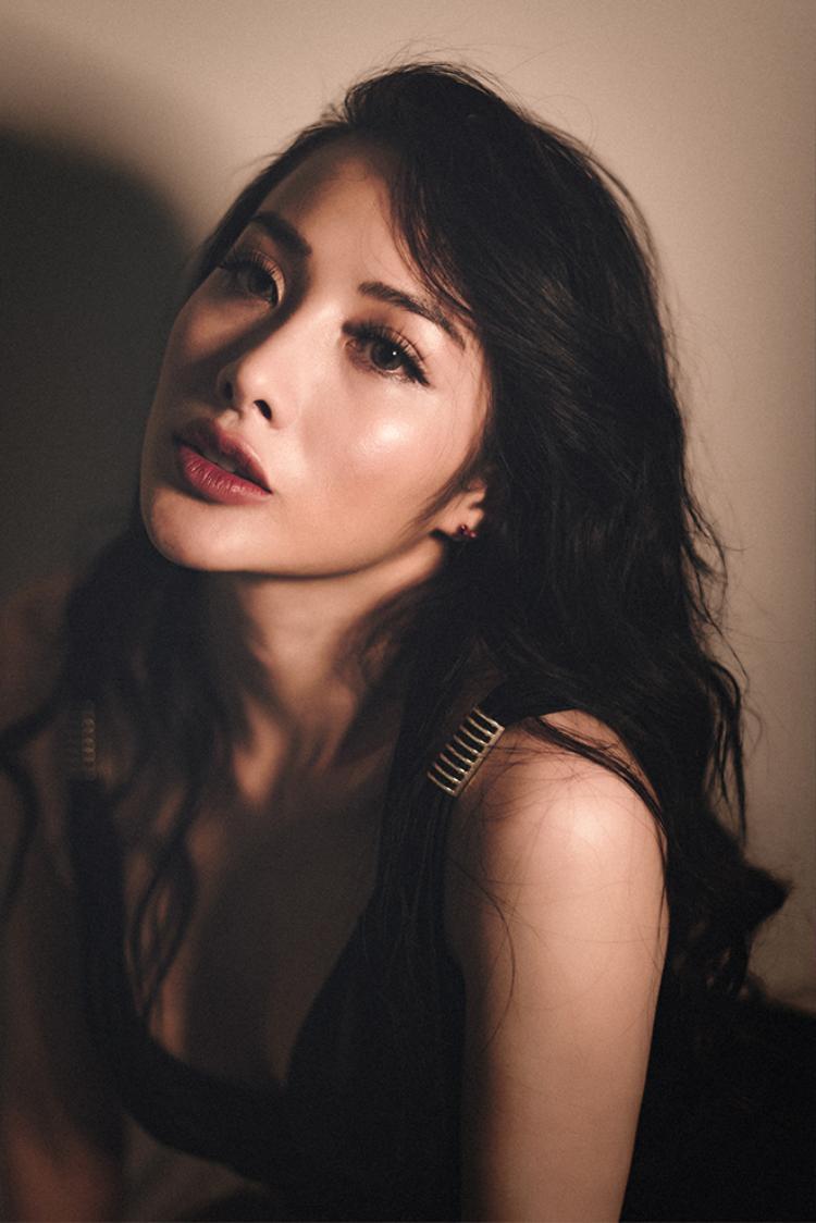 Yaya Trương Nhi sở hữu vẻ đẹp hiện đại