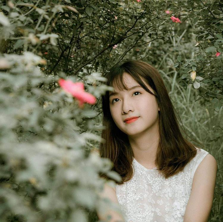 """Huyền Trang có phong cách rất nữ tính, dịu dàng, có phần """"bánh bèo"""" nhưng không sến"""