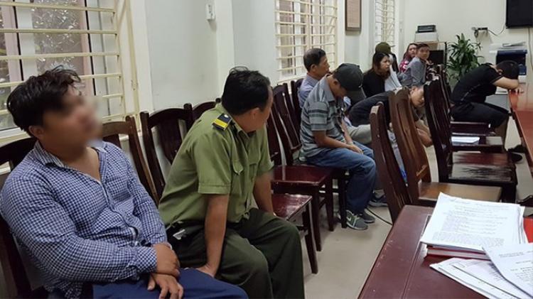 """Nhóm đối tượng """"phe vé"""" trận đấu Việt Nam tại AFF Cup bị bắt giữ"""