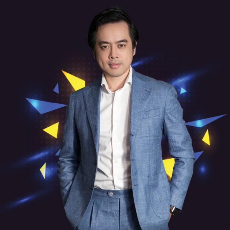 Cùng góp mặt trên ghế nóng còn có nhạc sĩ Dương Khắc Linh.
